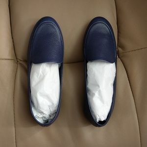 630783491c6 Newbark slip on loafers size 6
